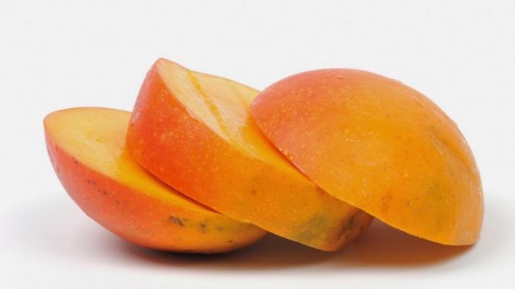 Cum să cureţi un mango?