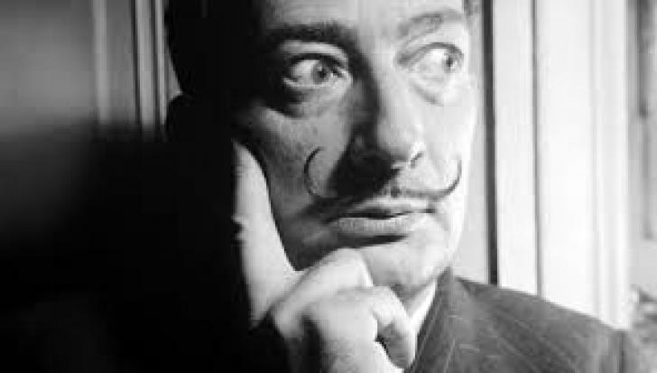 Dali s-a considerat înrudit cu România și prin grafică a ajuns prima dată aici, la Brukenthal