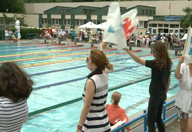 Au înotat pentru copiii bolnavi
