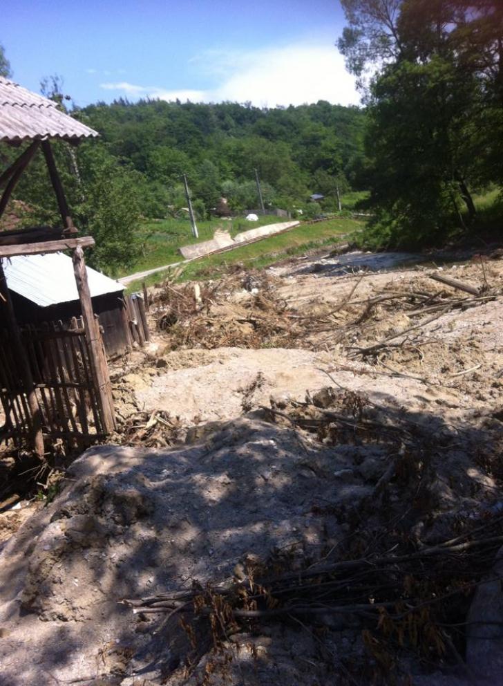 Inundaţii MUEREASCA, Vâlcea, mai 2014