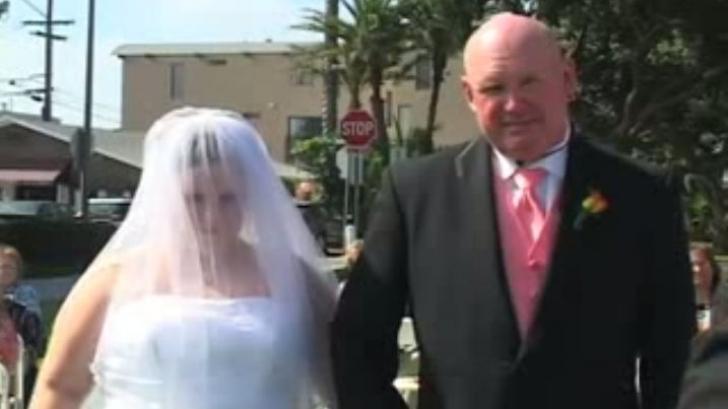 INCREDIBIL la nuntă. Gestul făcut de mireasă în timpul slujbei i-a ŞOCAT pe toţi