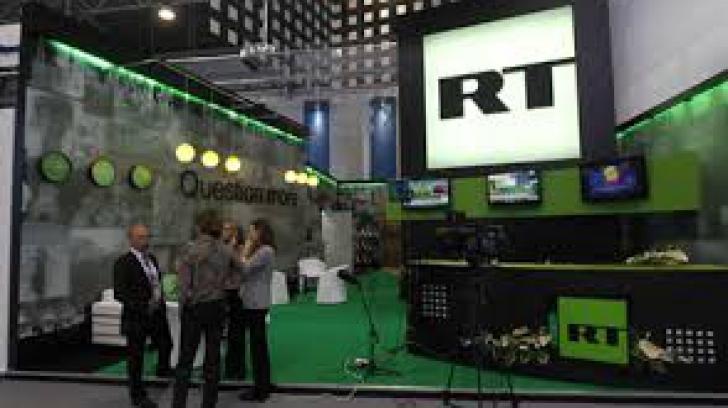 """O ziaristă a televiziunii Russia Today a demisionat în semn de protest faţă de """"minciunile"""" difuzate"""