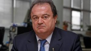 Blaga: Legea migraţiei aleşilor aprobată de PSD are poate şi latura bună: desparte bărbaţii de curve