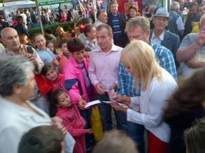 Elena Udrea, baie de mulţime la Zilele Sebeşului / Foto: Facebook.com