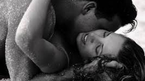 In literatura veche (cu precadere in cea erotica), mierea evoca intotdeauna dragostea si fertilitatea.