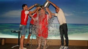Dinamoviştii s-au distrat cu găleţile cu apă