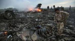 Noi rămășițe umane descoperite la locul prăbușirii MH17, potrivit premierului australian