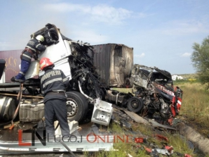 Un şofer a murit carbonizat şi altul a fost rănit, sâmbătă, în urma unui accident produs pe centura ocolitoare a Lugojului