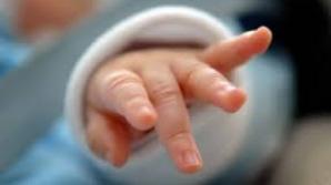 Erau șanse extrem de rare ca bebelușul să se nască alb