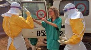 Misionara americană infectată cu Ebola a ajuns în Statele Unite