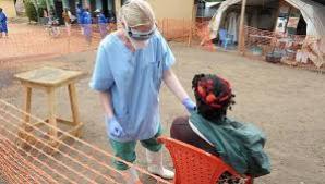 Medicul american infectat cu virusul Ebola, tratat cu un ser pe bază de tutun
