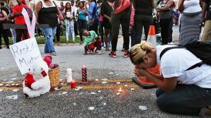 Manifestaţie la New York, după uciderea unui tânăr de culoare de către un poliţist în Missouri