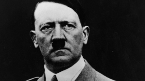 O fotografie celebră cu Hitler, realizată acum o sută de ani, ar putea fi trucată