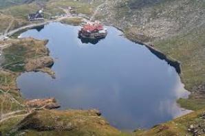 Imagini revoltătoare cu Lacul Bâlea.