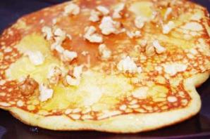 Pancakes cu miere şi nuci