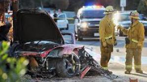 Un tânăr ce a furat bucăţi din maşina în care a murit Paul Walker, condamnat la 6 luni de închisoare