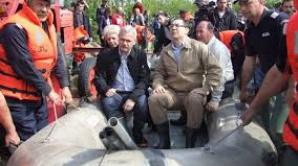 Premierul Ponta a vizitat, vineri, digul din satul Beiu, judeţul Teleorman.