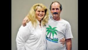 Robert Hamilton şi soţia sa, Donna