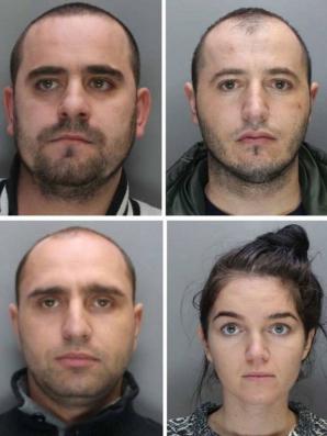 Patru români, CONDAMNAŢI LA ÎNCHISOARE în Anglia după ce au clonat 60.000 de carduri
