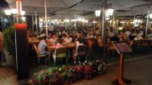Bucătăriile a două hoteluri din Mamaia, închise temporar de ANPC din cauza mai multor nereguli