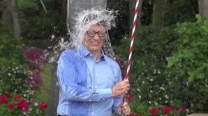 Bill Gates, în campaniaICE BUCKET CHALLENGE
