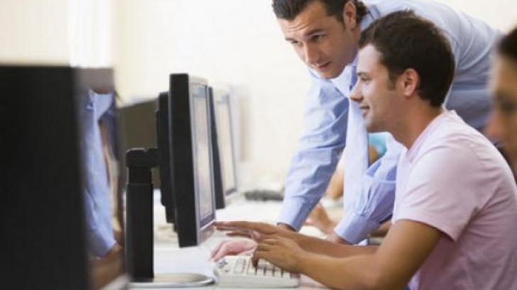 Cum afectează comportamentul online viața reală a adolescenților
