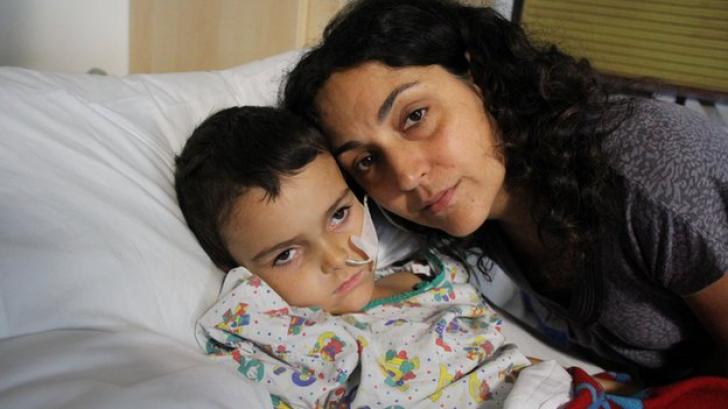 Ashya King şi mama sa, în spital