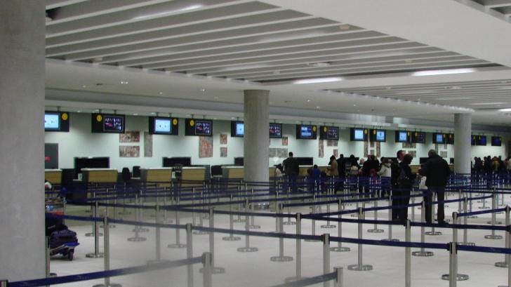 """Aeroportul din Zurich, închis parţial în urma unei """"ameninţări"""". Activitatea va reveni la normal"""