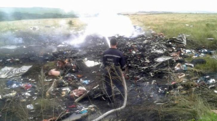 Experții internaționali au cerut ajutorul localnicilor din zona în care s-a prăbușit avionul