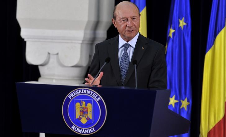 RĂZBOI între Palate. Antonescu: Băsescu a vrut să se prezinte ca ŞMECHERUL ALFA