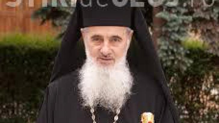 Episcopul Vasile Someşanul a leșinat la Nicula din cauza caniculei.