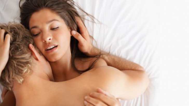 "5 moduri subtile prin care barbatii spun ""Te iubesc"""