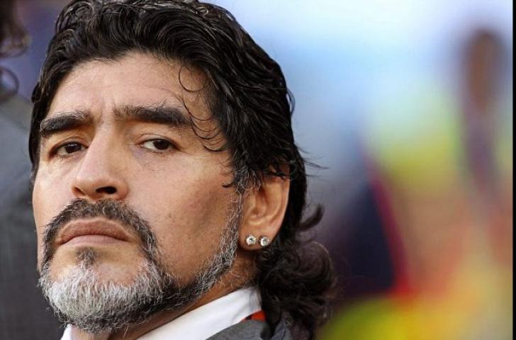 Diego Maradona, acuzat de hărţuire sexuală de o jurnalistă
