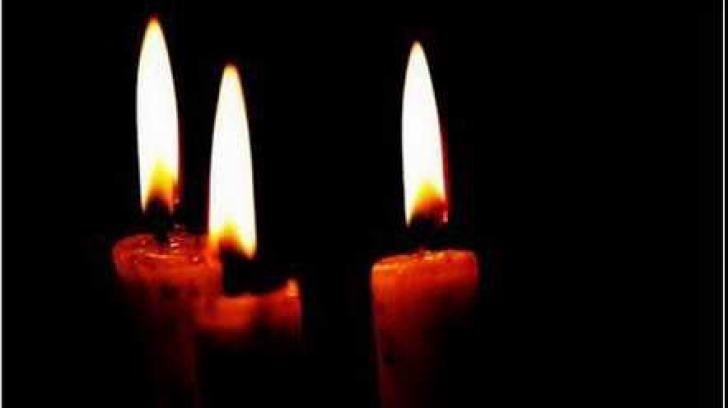 Minunea Sfintei Lumini aprinse la Biserica Sfântului Mormânt şi răspândită în lume