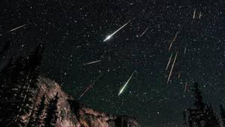 Curentul de meteori Perseide va avea activitatea maximă în noaptea de 12 spre 13 august