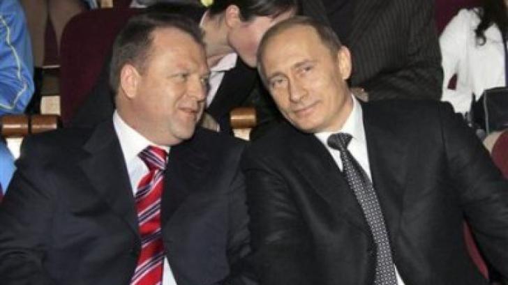 SURPRIZĂ - Un român, alături de prietenul său, Vladimir Putin