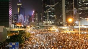 Proteste masive la Hong Kong