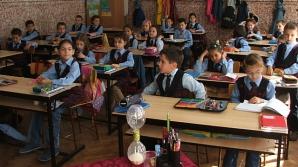 Un inspectorat şcolar angajează 24 de inspectori. Când are loc concursul