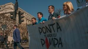 """Mesaje ANTI-PONTA la marșul PMP: """"Ponta pentru noi este Ceaușescu doi"""""""