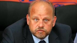 Primarul din Rădăuţi, REŢINUT pentru că a şantajat un consilier să se înscrie în PDL
