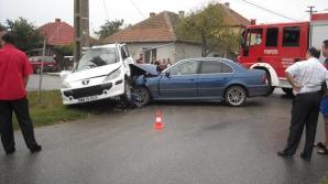 Şoferul unui BMW a intrat în plin într-un alai de nuntă.