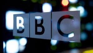 BBC, audiată după o percheziţie LIVE, din casa unui cântăreţ faimos, acuzat de pedofilie