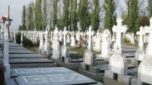 Incendiu de proporţii într-un cimitir din Iaşi