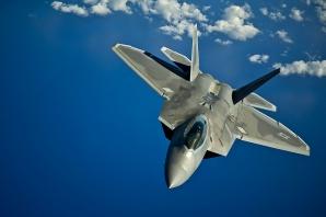 Primul test pentru avionul de vânătoare F-22 Raptor