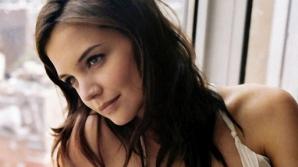 Katie Holmes va debuta ca regizoare