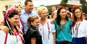 Scenă amuzantă la Festivalul Usturoiului