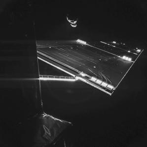 Cometa 67P/ Ciuriumov-Gherasimenko, fotografiată de pe sonda spaţială Rosetta