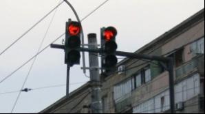 Un şofer bucureştean a aşteptat două ore culoarea verde a semaforului