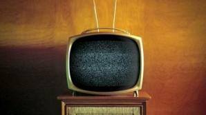 LOVITURĂ DURĂ PE PIAŢA MEDIA. Familia renunţă la operaţiunile în televiziune şi radio