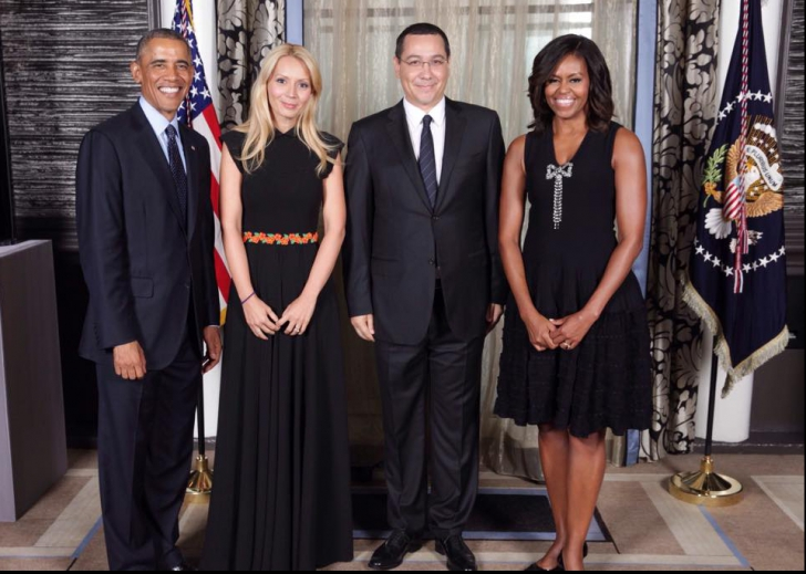 Fotografia familiei Ponta cu Obama, analizată de un specialist: Doi provinciali la o nuntă